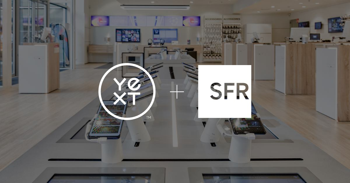 Photo d'un magasin SFR avec les logos Yext et SFR en transparence